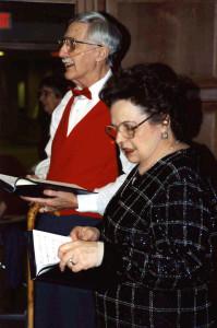Mom & Dad sing xmas 96 220AP