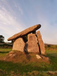 trethevy-quoit-on-bodwin-moor-07